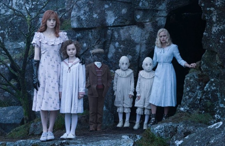 kinoprosmotr-net_kinopoisk-ru-miss-peregrine_27s-home-for-peculiar-children-2736011